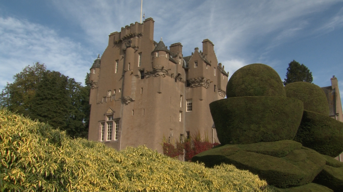 Crathes-Castle.jpg